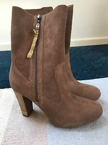 Brand-New-Athena-Ugg-Boots-Size-UK-5-or-EU-37-5-RRP-160