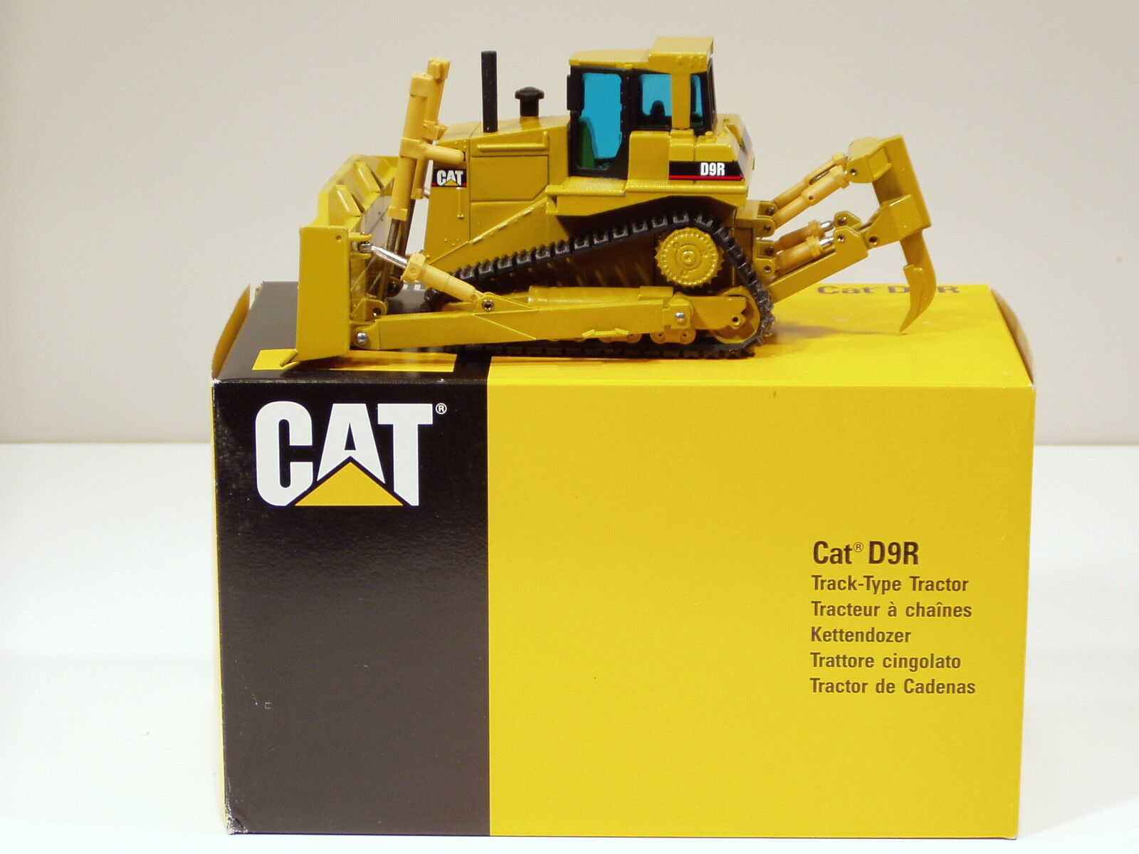 CATERPILLAR D9R Bulldozer -  Lancement Edition  - NZG  451 - 1 50 - Comme neuf IN BOX