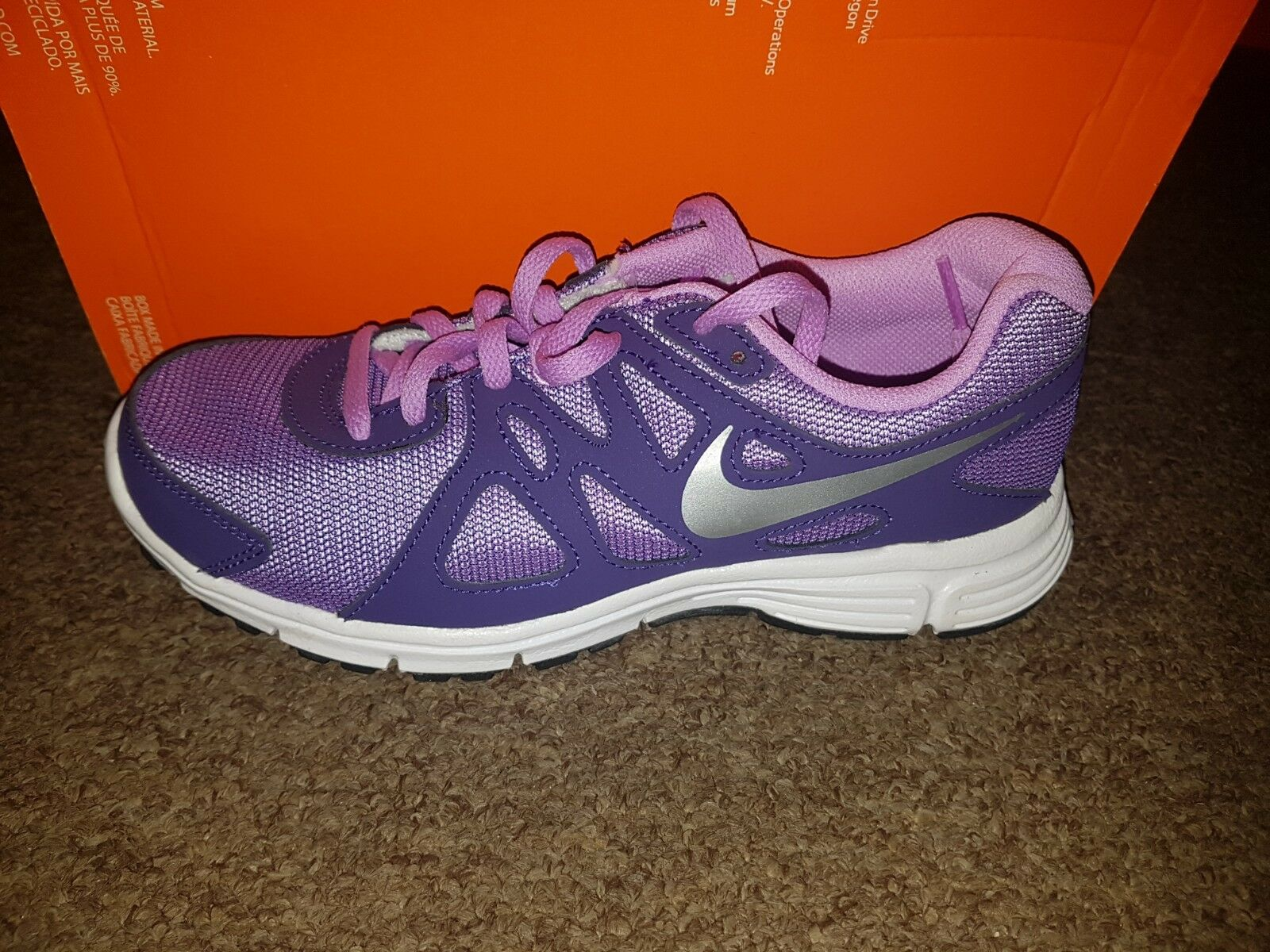NIKE REVOLUTION 2 GS Men and Woman