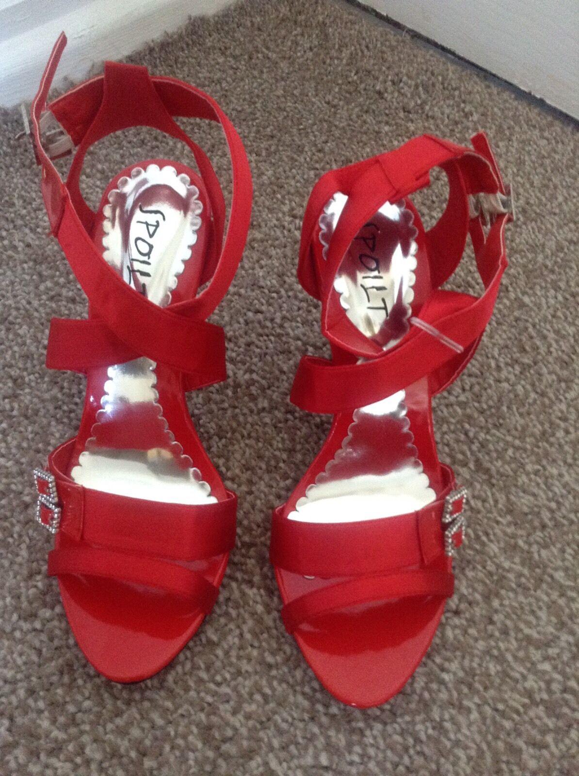SPOILT BY SHU  ROT Sandales Heels Größe 6 New