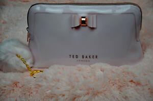 e55cb11a7 TED BAKER LONDON - Jana Bow Triangle Cosmetic Case Color DUSKY PINK ...