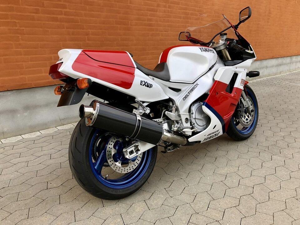 Yamaha, Yamaha FZR 1000, ccm 1000
