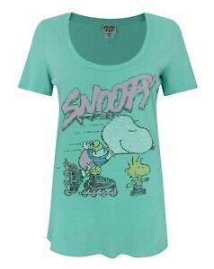Junk-Food-Snoopy-Rollerskates-Women-039-s-T-Shirt
