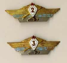 Two  Soviet Orders  Badge Medal red star  Military Badges  (1576)