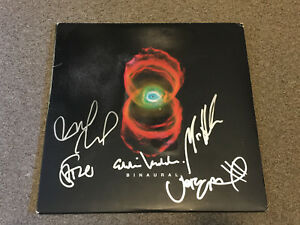 Pearl-Jam-SIGNED-Binaural-LP-Orig-tri-fold-by-Eddie-Vedder-Stone-Jeff-Matt-Mike