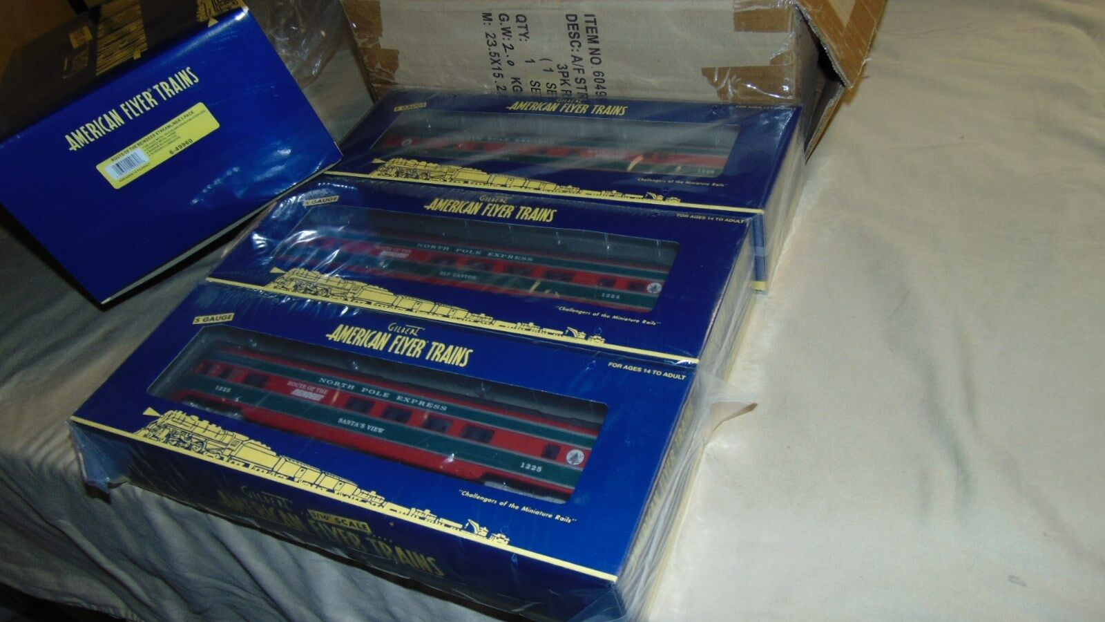 FLYER S GAUGE 49960 NORTH POLE EXPRESS 3 CAR PASSENGER NEW IN ORIGINAL BOX