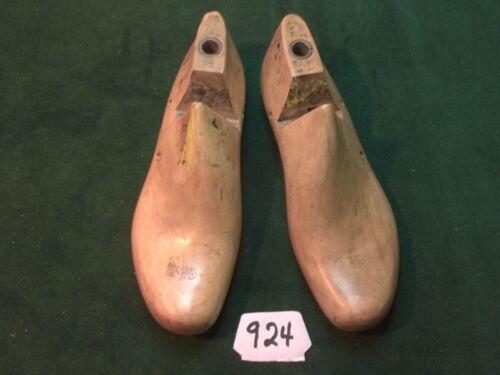 VINTAGE PAIR 6-1//2 E VULCAN X870 Shoe Factory Industrial Last Mold  #924