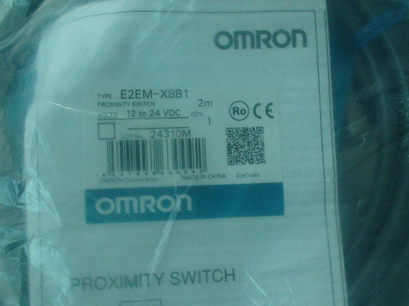E2EM-X8B1 E2EMX8B1 1PCS OMRON Proximity Switch NEW