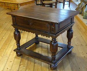 kleiner barocktisch barock tisch freistehend eiche mit schublade nordd um 1730 ebay. Black Bedroom Furniture Sets. Home Design Ideas
