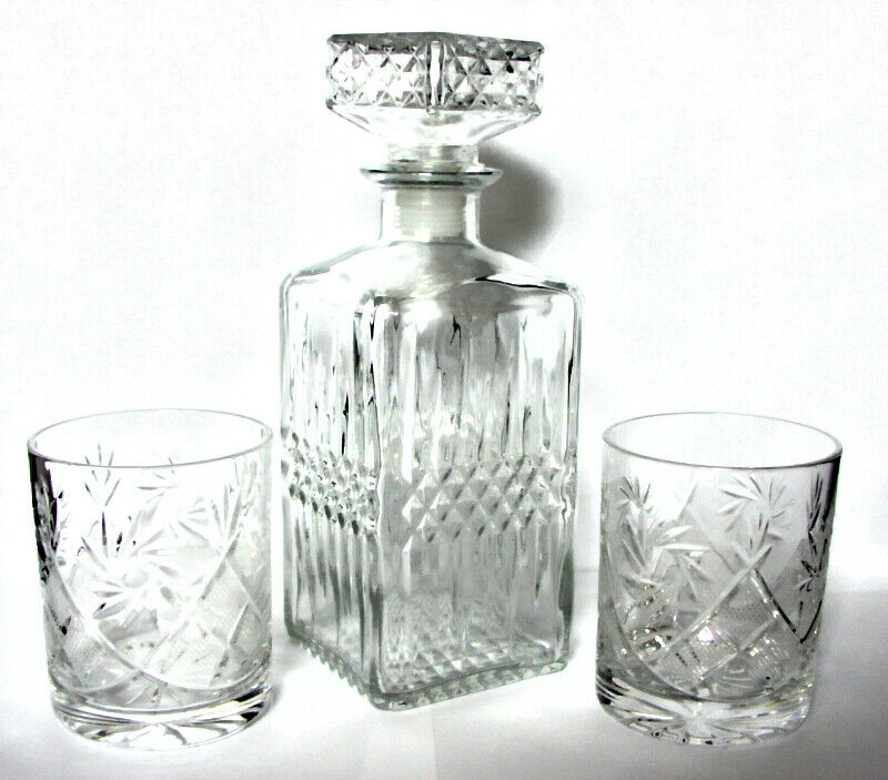 European Glass Decanter 27oz & 2 Crystal Whiskey Tequila Glasses Tumblers 11oz