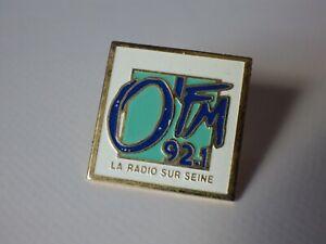 Pin-S-Vintage-Pins-de-Solapa-Coleccionista-Publicidad-o-039-Fm-Radio-92-1-Lote