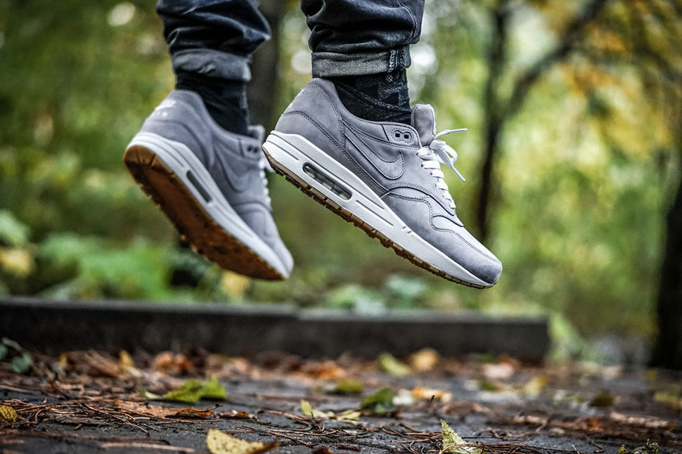 NIKE AIR MAX 1 PREMIUM LEATHER Grey SUEDE ASH Gum Mens Sz 8 Shoes 705282-005