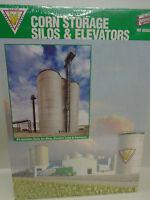 Walthers Cornerstone Ho Scale 933-2975 Corn Storage Silos & Elevators In Bx