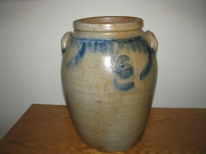 ANTIQUE-BLUE-DECORATED-STONEWARE-CROCK-3-Gallon-Ovoid-Shaped
