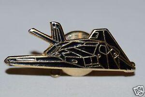 WOW-Nice-Vintage-Black-STEALTH-Bomber-Airplane-Jet-Lapel-Pin-Tie-Tack-Rare