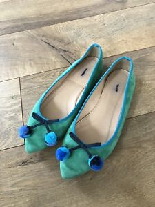 c04371f60a3 JCrew  118 Gemma Suede Flats with Pom-Poms Sz 5 Green Pointed Ballet ...