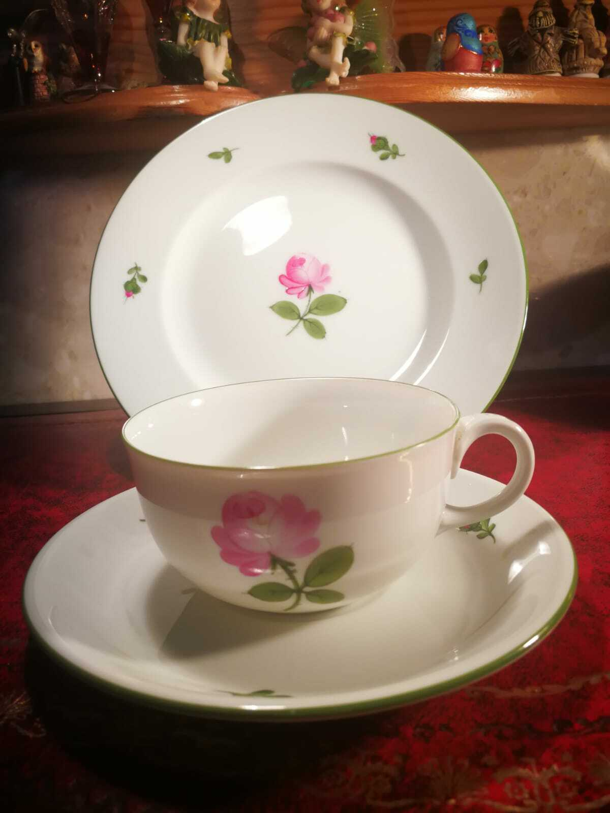 Image 01 - WIEN AUGARTEN Wienna Cup & Saucers and Side Plate 5089 VGC Perfect Condition