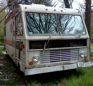 77 Dodge Titan 25 Ft Motor Home 440 V 8 Auto Runs Good Selling Only