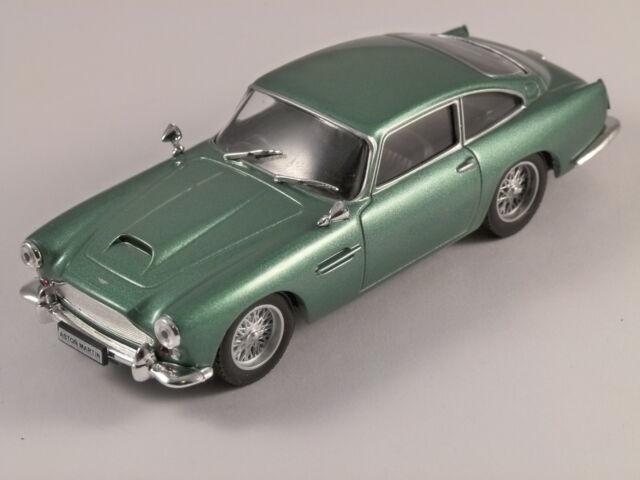 ASTON MARTIN DB4 in Light Green 1/43 scale model