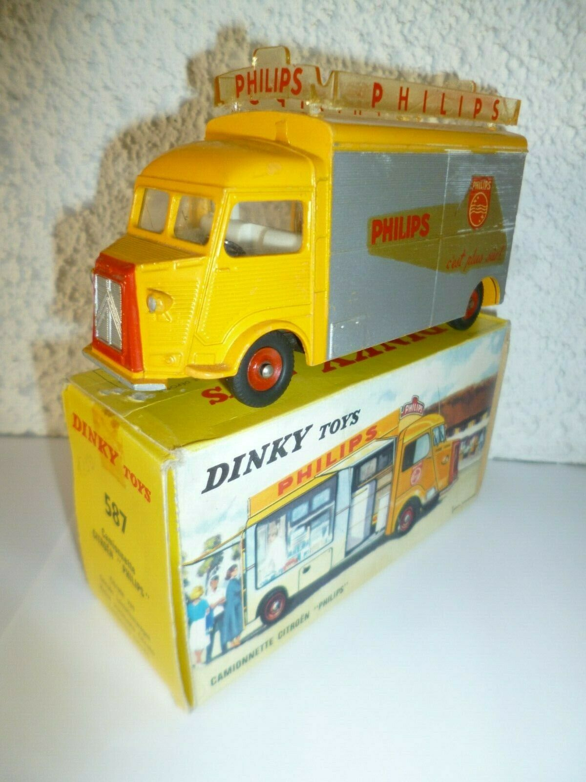 Citroen Tube HY PHILIPS sa boite véritable Dinky Toys en bel état