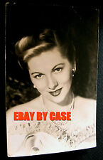 1947~RARE~JOAN FONTAINE~UNIVERSAL STUDIOS~POSTCARD FAN PHOTO~SIGNED