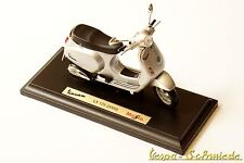 "VESPA Original PIAGGIO Modell ""LX 125 2005"" - Silber - 1:18 - Maisto LX125 LXV"