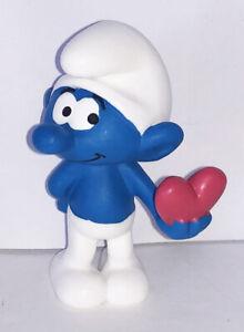 20817 Smurf with Heart 2-inch Plastic Figure Lover Smurf Figurine Schleich