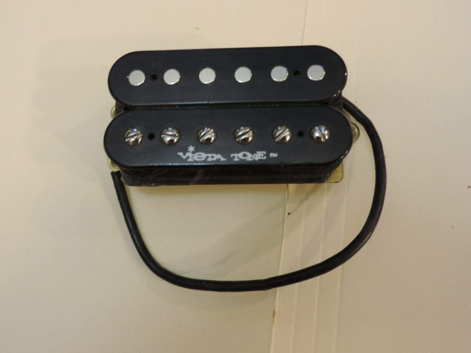 FENDER VISTA TONE HUMBUCKER BRIDGE OR NECK RARE VISTA PICKUP PRE OWNED MINT .