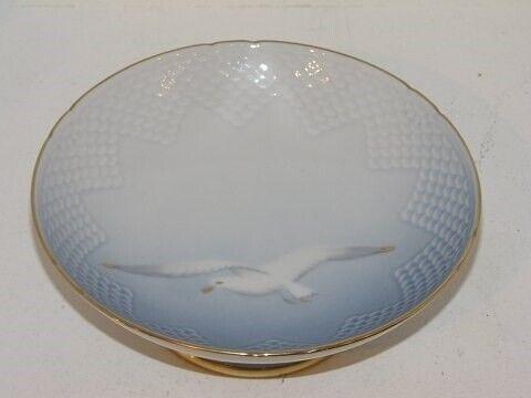 Porcelæn, Måge med guldkant  Skål på fod, Måge med