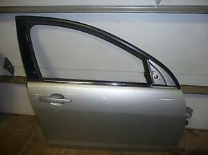 08 09 Pontiac G8 Switchblade Silver 636r Passenger Right Front Door Hinge Glass Ebay