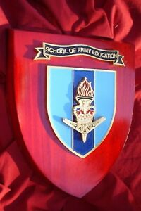 MILITARY-WALL-PLAQUE-RAAEC-SCHOOL-OF-ARMY-EDUCATION-18-X-14-CM-METAL-WOOD