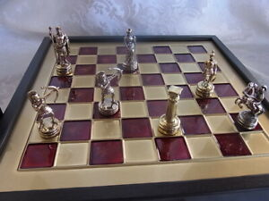 Schachspiel-Schachbrett-Manopoulos-Figuren-Bogenschutzen-Handgefertigt