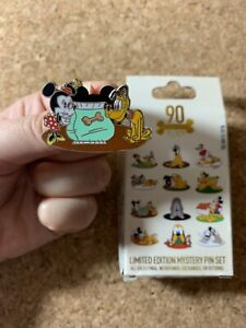 Disney-Pluto-90th-Anniversary-Minnie-Dog-Biscuits-Mystery-2020-Pin-LE-1000