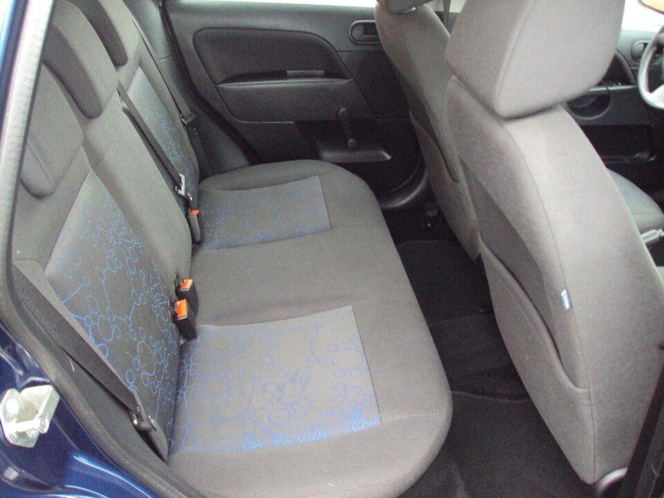 Ford Fiesta 1,4 Ambiente Benzin modelår 2006 km 165000