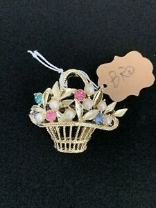 Vintage-Basket-Of-flowers-Brooch-Gold-tone-Multi-colored-Rhinestones
