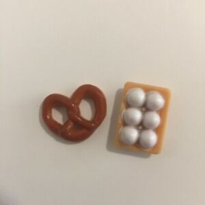 Sylvanian-Families-Calico-Critters-Supermarket-Replacement-Pretzel-and-Eggs