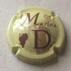 2. blanc et marron Capsule de Champagne MARINA D.
