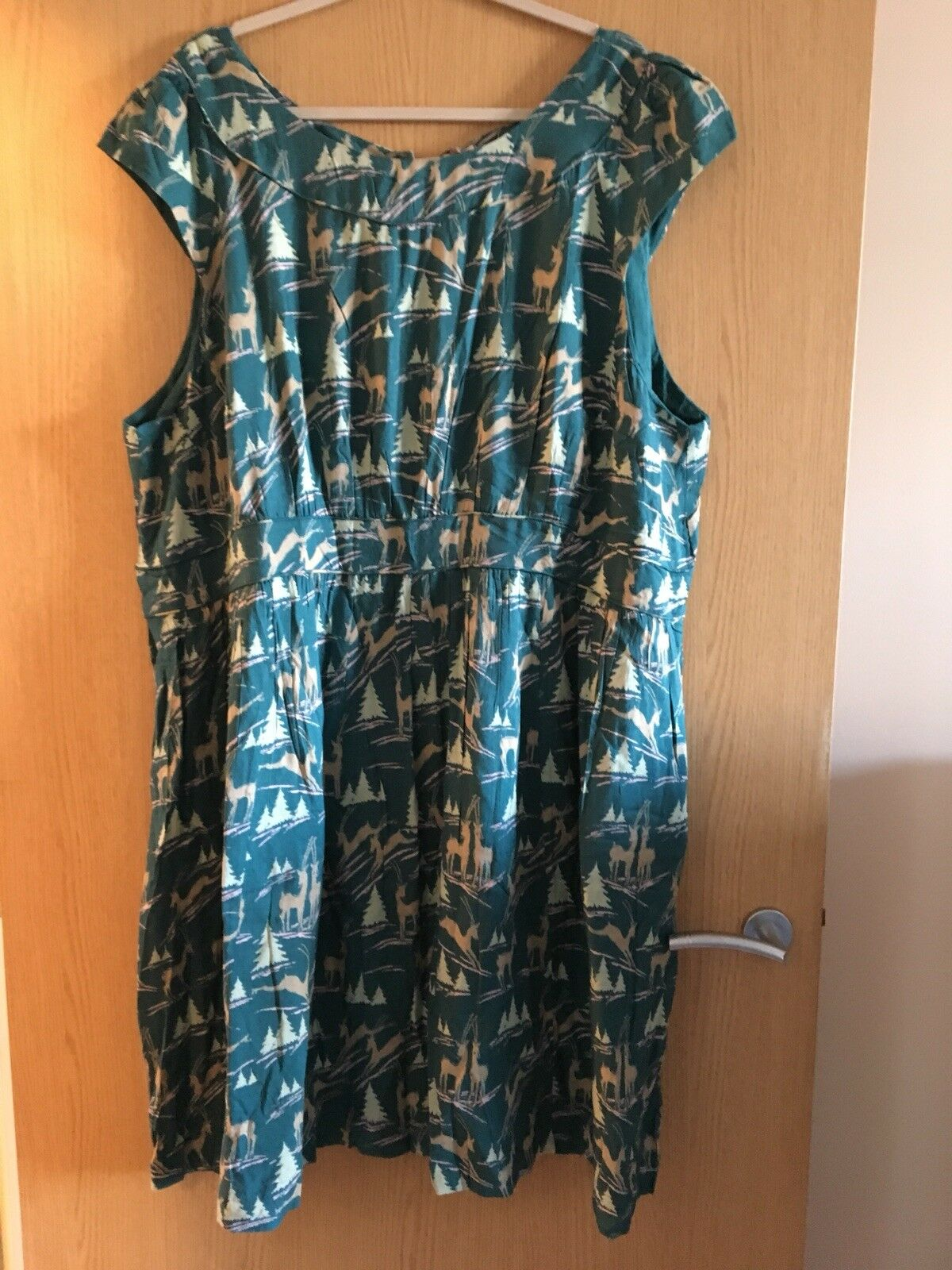 Emily & Fin Women's Rachel Dress Size 4XL Plus Size Teal Green Retro Deer Print