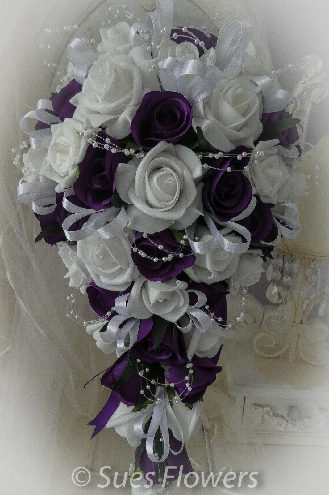 Brides shower Bouquet in Cadburys lila & Weiß