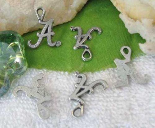Jewelry Making 100pcs//300Pcs antique en métal argenté lettre une forme charmes