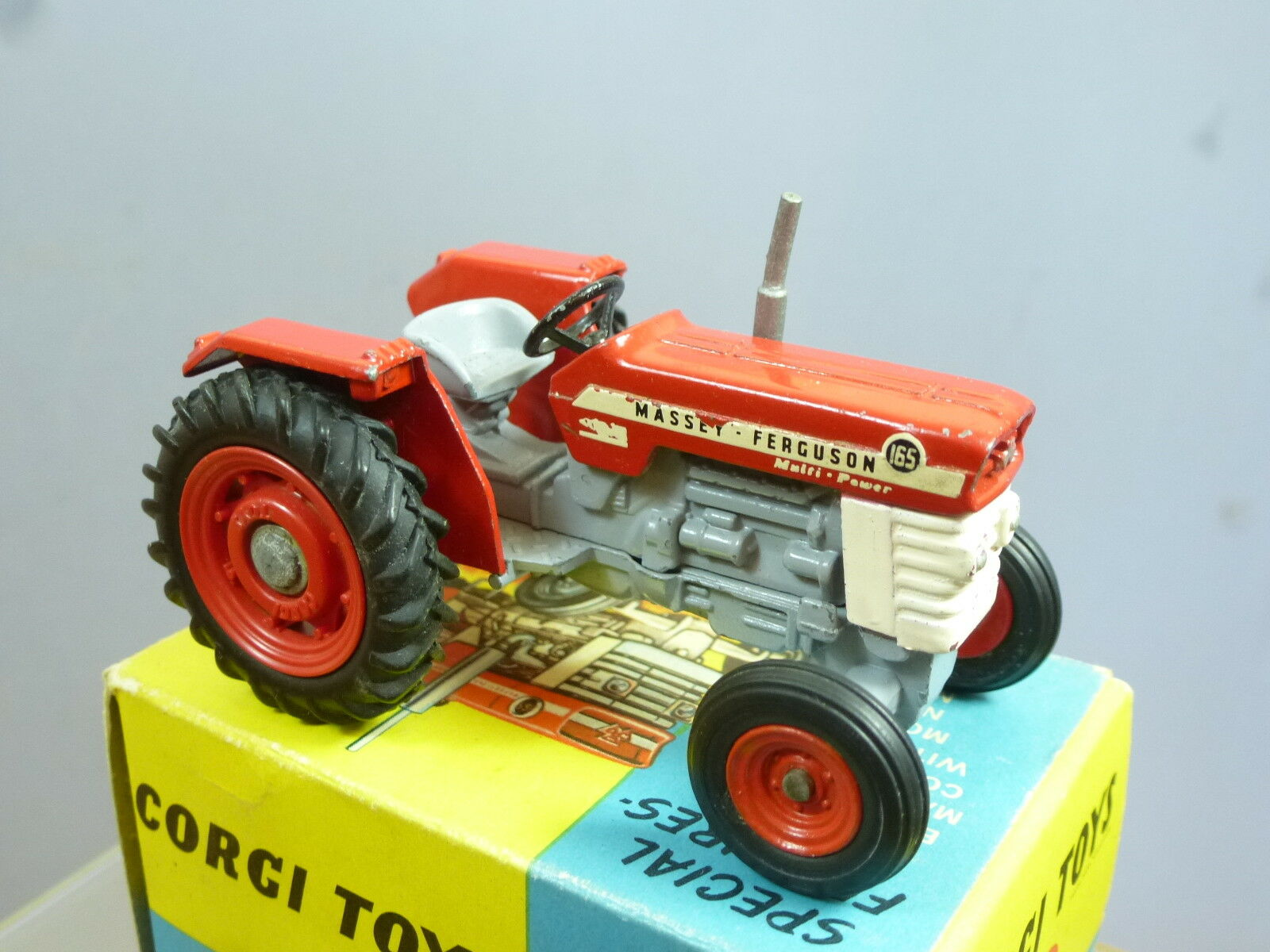 CORGI TOYS MODEL MODEL MODEL No.66 Massey-Ferguson 165 tracteur En parfait état, dans sa boîte | Outlet Shop En Ligne  191b9a