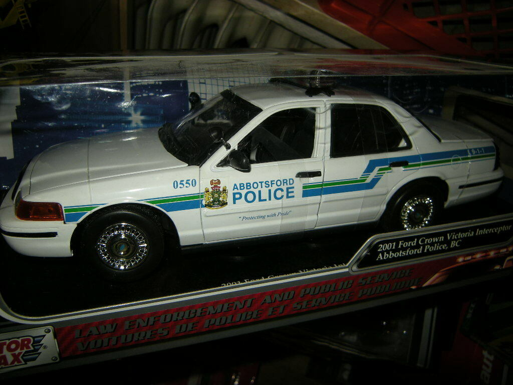 1 18 18 18 Motormax Ford Crown Victoria Interceptor Abbotsford Police, BC 2001 in OVP 928d11