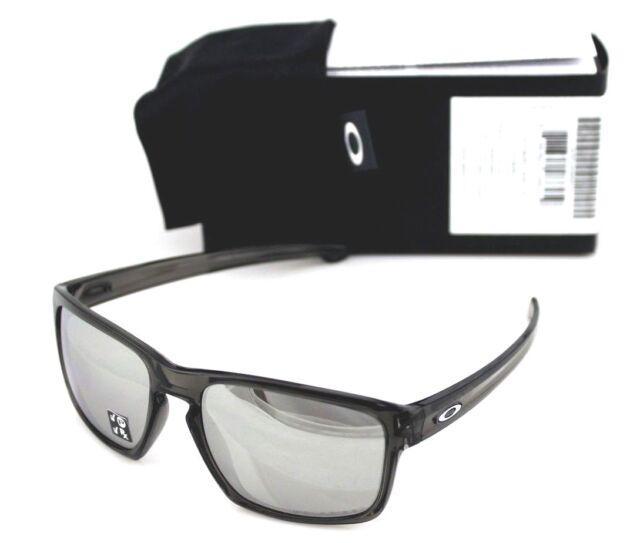 54372d9c182 POLARIZED Genuine OAKLEY SILVER Grey Smoke Chrome Iridium Sunglasses OO 9262 -13