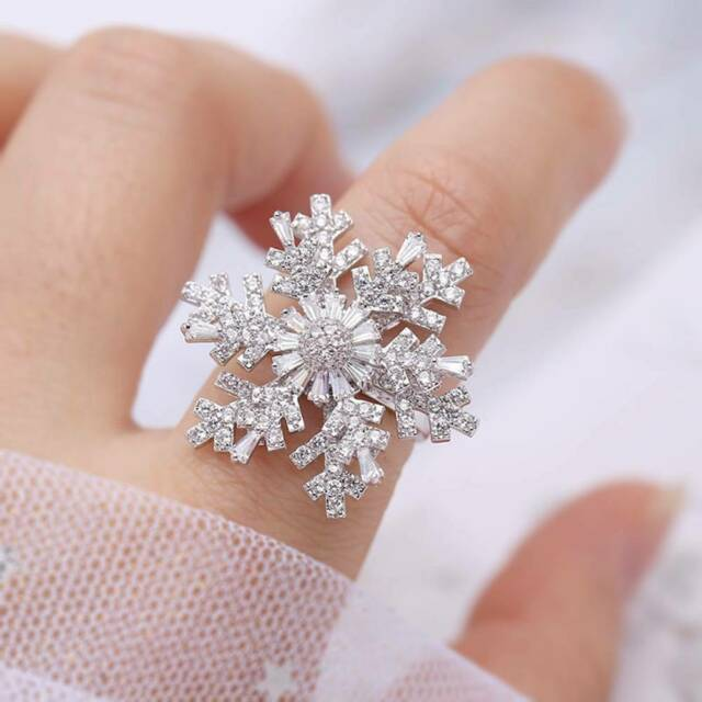 Shiny Rotatable Cubic Zircon Snowflake Ring girl Open Adjustable Finger Ring o