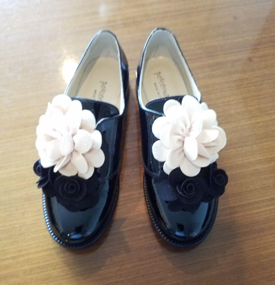 Pokemaoke noires vernies fleurs Derby Chaussures