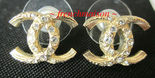 AUTHENTIC CHANEL CC Logo Earrings Gold 2018 Classic Pierced Rare New Sold Out