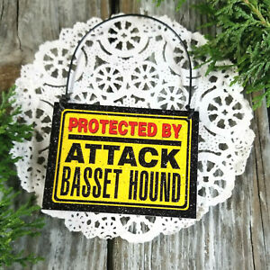 Mini-Sign-Ornament-PROTECTED-BY-Basset-Hound-Door-Hanger-Decowords-Cubicle-USA