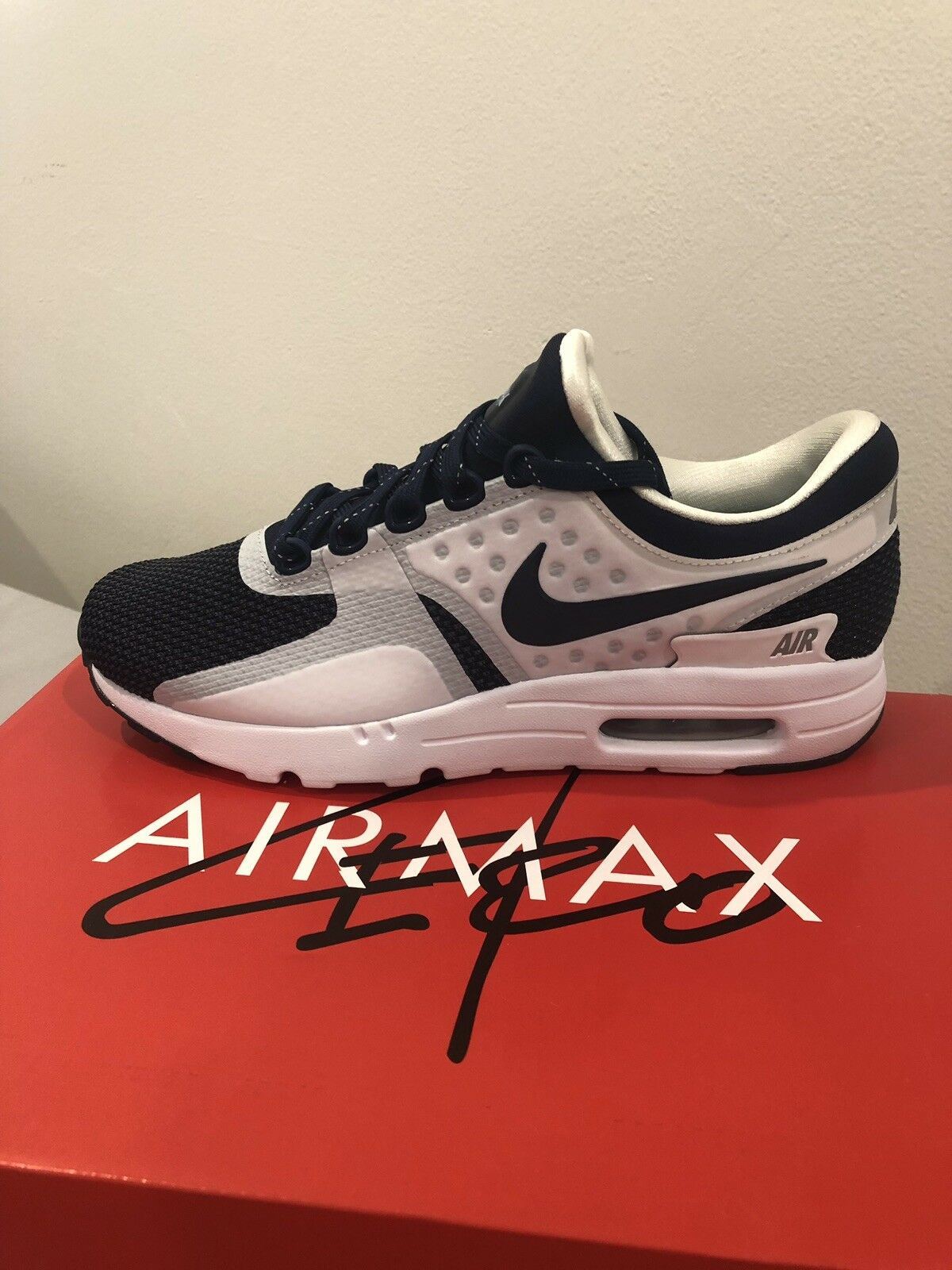 Nike Air Max Zero QS First Release Size 8