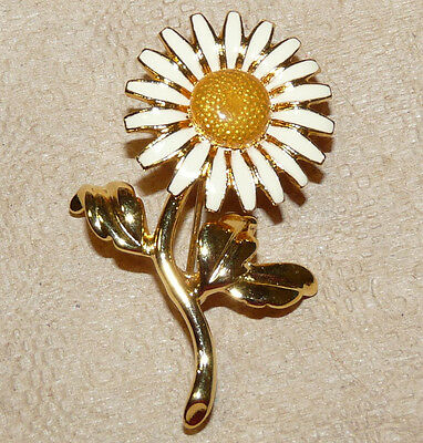 Pretty JOAN RIVERS Gold Plated White Enamel Daisy Flower Brooch/Pin  FF11