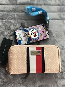 AUTH-BNWT-TOMMY-HILFIGER-WOMEN-S-ZIP-AROUND-WALLET-55